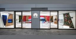 Huawei Experience Store con installazioni B-Happy