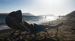 Relax sulla spiaggia greca