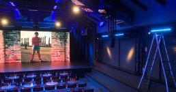 Installazione luci DTS Lighting sul palco di Zelig Cabaret